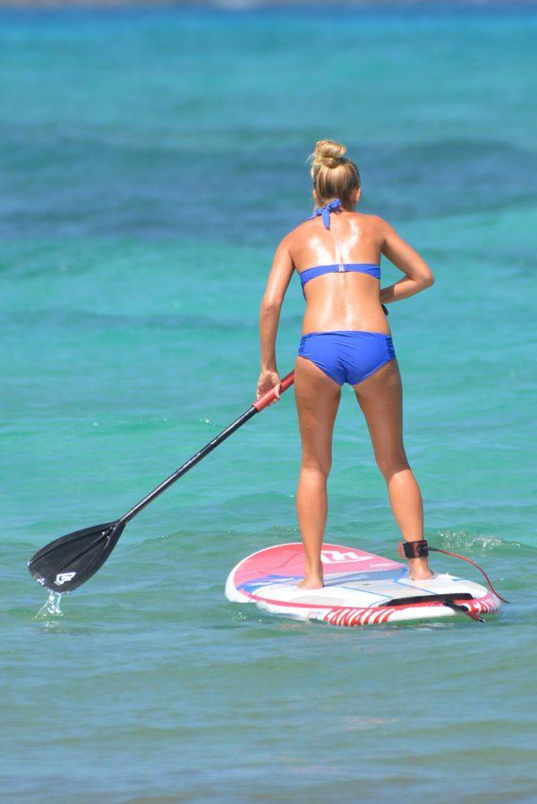 Femme paddle pagaie Bikini